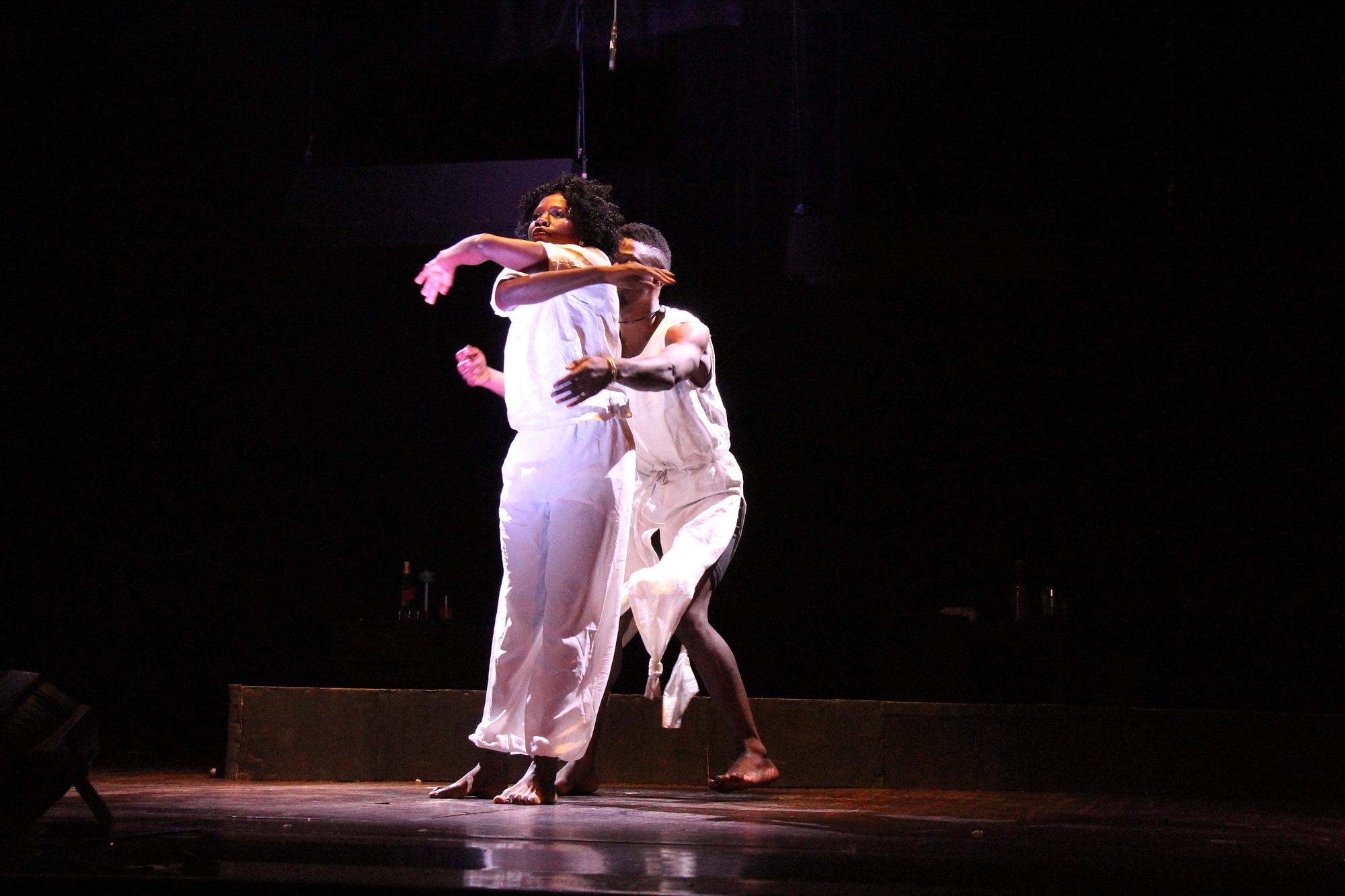 The contemporary dance routine